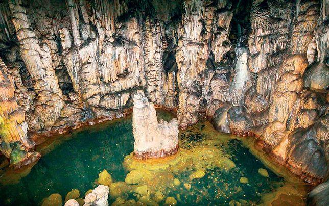 Jaskinia Zeusa