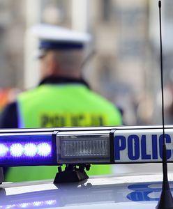 Pijana 59-latka za kierownicą. Próbowała wręczyć 10 tys. zł łapówki policjantom