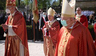 Kraków. Tłumy wiernych na mszy na Skałce (ZDJĘCIA)
