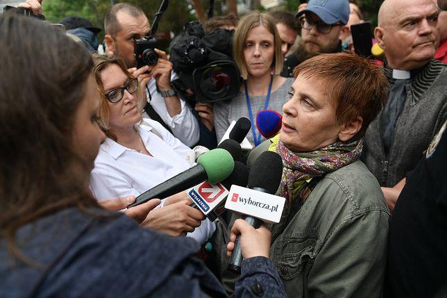 Janina Ochojska chce pomóc protestującym