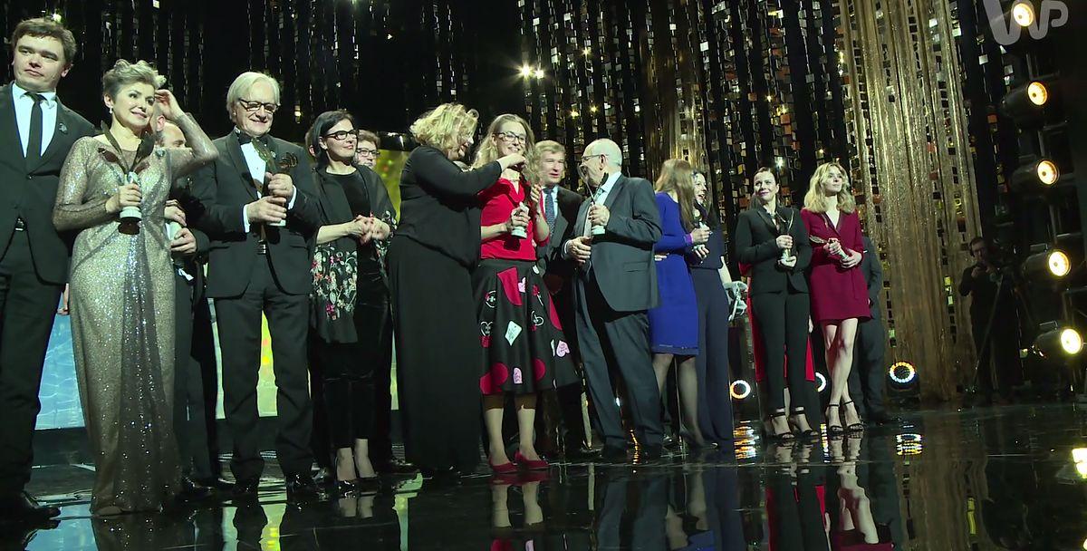 """""""Solidarność jest tak ważna, jak powietrze"""". Piękny gest polskich filmowców na gali Orły 2017"""