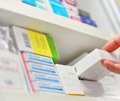 W opakowaniach Espumisanu wykryte zostały ulotki opisujące działanie i dawkowania innego leku.