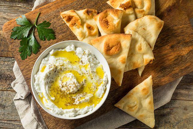 Labneh stanowi ważny składnik diety mieszkańców Bliskiego Wschodu