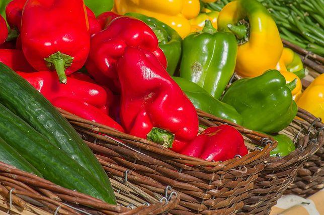 Papryka ma nieograniczone możliwości w kuchni. Smakuje zarówno na surowo, jak i gotowana czy pieczona. Przepisy z papryką