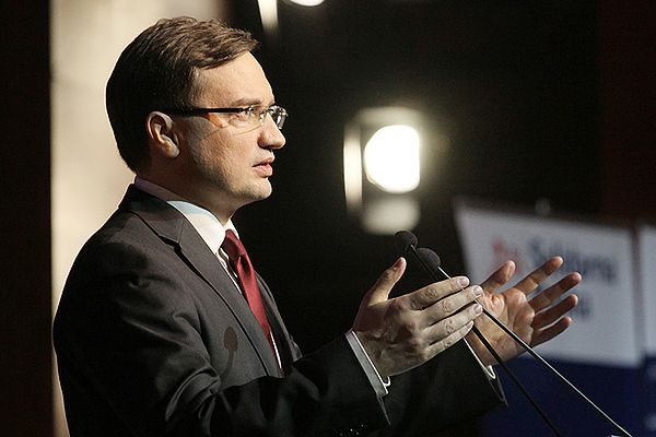 Zbigniew Ziobro przemawia podczas kongresu Solidarnej Polski w Otrębusach