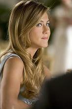 """""""Dzień matki"""": Shay Mitchell upiekła ciastka dla synów Jennifer Aniston"""