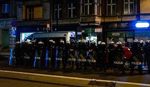 Policja podczas protestu w Katowicach 24.10.2020.(sko) PAP/Andrzej Grygiel