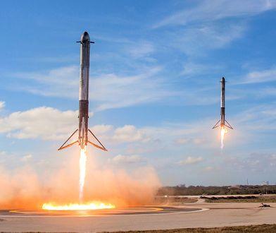 Boostery Falcona Heavy podczas lądowania