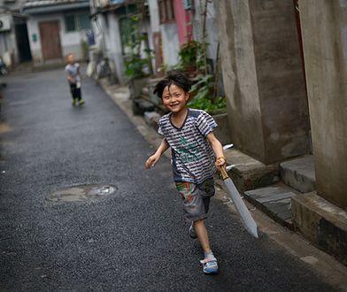 """Chińskie """"czarne dzieci"""" - miliony, które znalazły się poza systemem przez politykę jednego dziecka"""