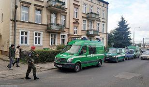 Gdańsk. Oficer Wojska Polskiego strzelał do osób, które wziął za włamywaczy. Na fot. dom, w którym doszło do strzelaniny.