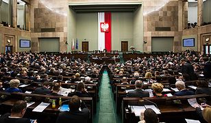 Sejm wznowił obrady, zajmie się m.in. projektem zmian w konstytucji ws. TK