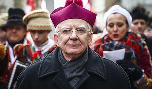 """Nie będzie śledztwa ws. """"tęczowej zarazy"""" abpa Marka Jędraszewskiego. Prokuratura odrzuca skargi"""