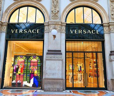 Elegancka odzież Versace uchodzi za luksusową