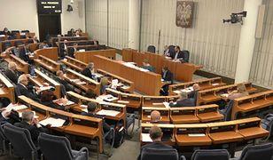 Wybory 2020. Senat decyduje o projekcie ustawy PiS