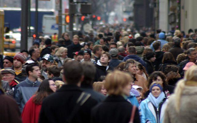 CBOS: 25 proc. badanych uważa, że PiS reprezentuje ich poglądy i interesy