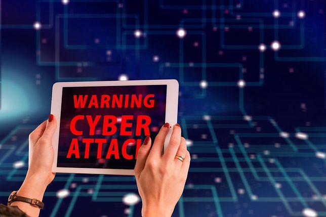 Śląskie. Policja ostrzega o nowej próbie wyłudzenia danych do logowania w bankowości internetowej - na mandat.