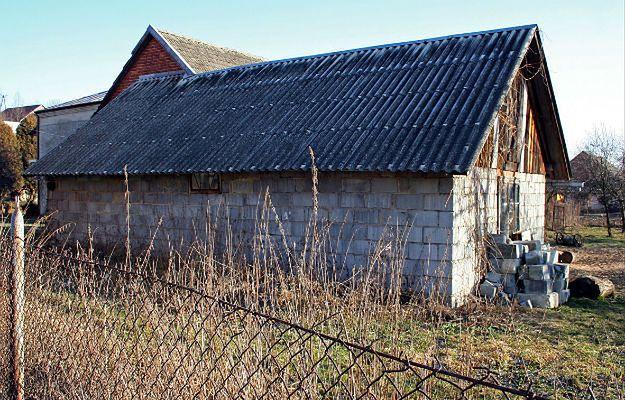 Kraków walczy z azbestem. Uciążliwy materiał budowlany można usunąć za darmo