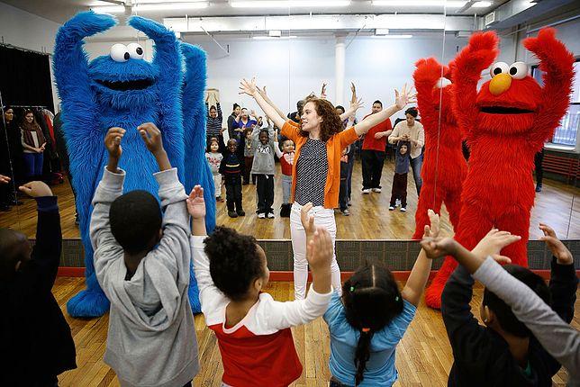 """PBS Kids to nadawca """"Ulicy Sezamkowej"""" i innych programów i kreskówek dla dzieci"""