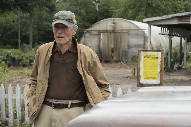 Clint Eastwood nie tylko wcielił się w główną rolę, ale także wyreżyserował film