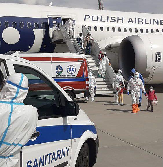 Samolot z Indii wylądował o 13.20 na lotnisku Chopina w Warszawie