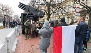 11 listopada w Warszawie. Marsz Niepodległości i Piknik wojskowy. Zmiany w komunikacji