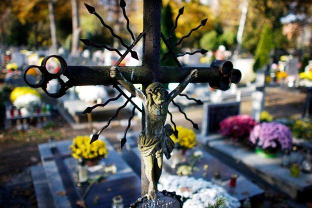 Na Wojskowych Powązkach ekshumacja kolejnej ofiary katastrofy smoleńskiej