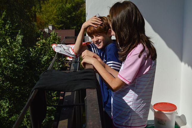 Madina z trójką dzieci mieszka w Brwinowie