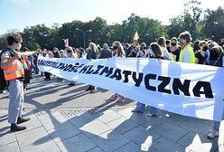 """Warszawa. Trwa protest """"Cała Polska dla sprawiedliwości klimatycznej"""""""