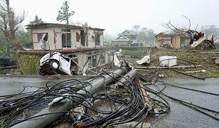 Japonia. Tajfun Hagibis uderzył w Japonię, pierwsze zniszzczenia są w mieście Ichihara, w pobliżu Tokio