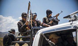 Członkowie jednej z lokalnych milicji w Meksyku