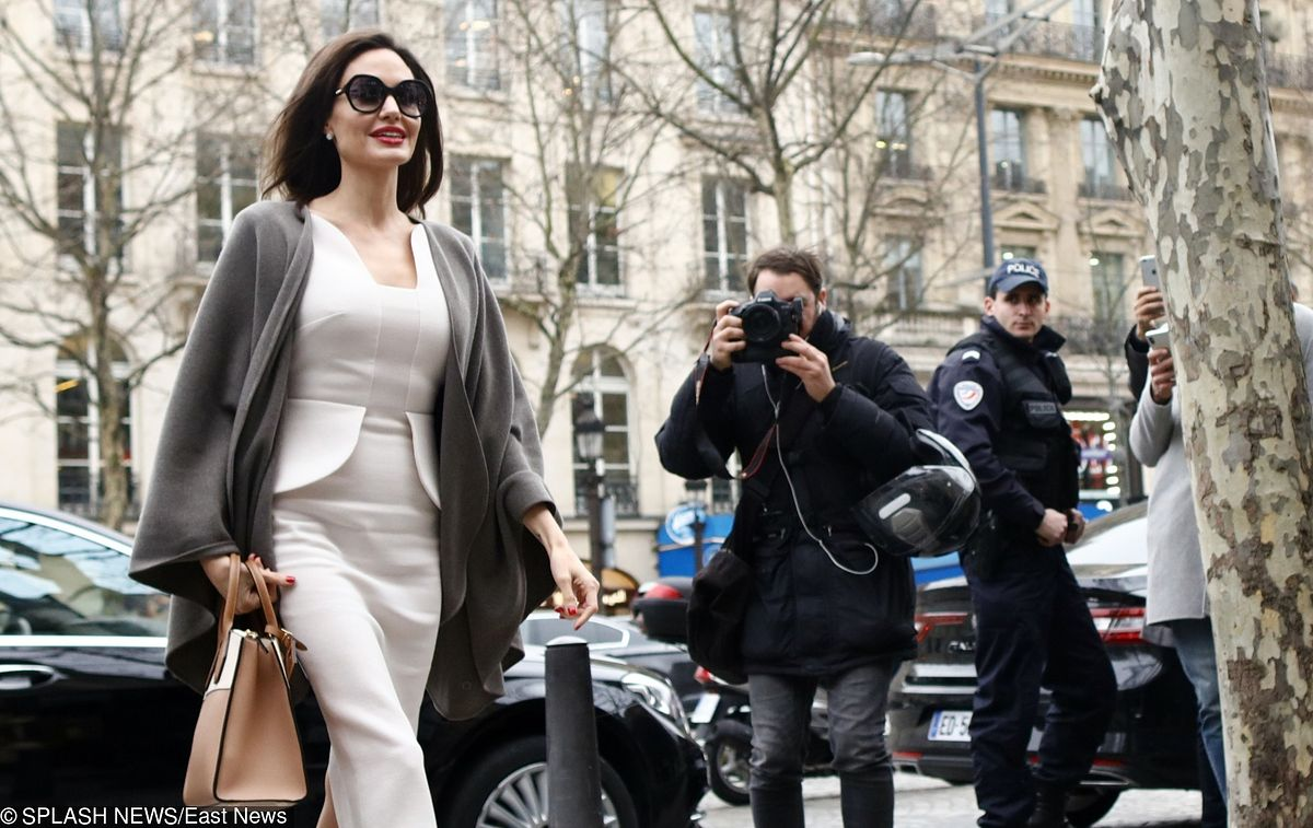 """Spotkanie kobiet """"na szczycie"""". O czym rozmawiały Brigitte Macron i Angelina Jolie"""