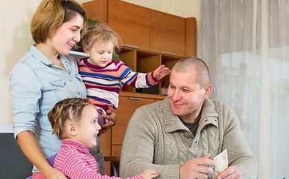 Program 500+ ma wspomóc rodziny, a nie zniechęcić rodziców do pracy
