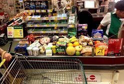 Truskawki, ziemniaki, alkohol... Zobacz, jak oszuści podrabiają jedzenie