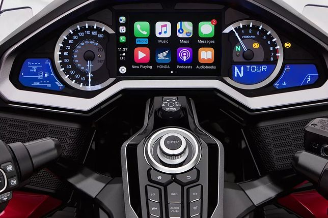 Apple CarPlay w Hondzie Gold Wing
