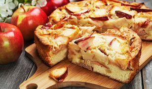 Proste i pyszne ciasto drożdżowe z jabłkami. Idealne do kawy