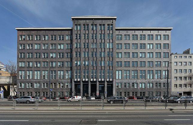 Siedzibą Ministerstwa Infrastruktury i Budownictwa jest dawny gmach Ministerstwa Komunikacji