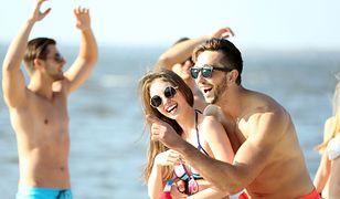 Raport: Młodzi Europejczycy wolą plażować niż się modlić