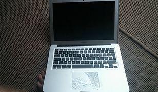 MacBook Air spadł z wys. 300 m. Działa?
