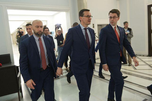 Mateusz Morawiecki wywołał kontrowersje zdjęciem, teraz budzi je komentarz rzecznika rządu