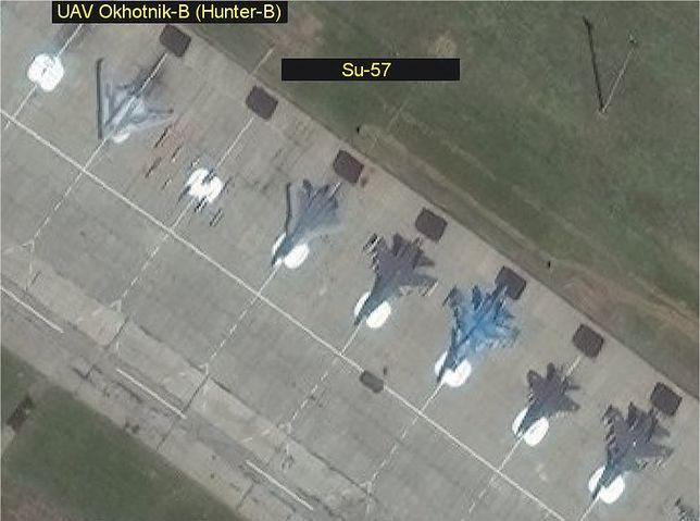 """Rosyjski dron bojowy Ochotnik-B """"przyłapany"""" na zdjęciach. Oglądał go sam Władimir Putin"""