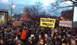 """Demonstracje solidarności z sędziami w całej Polsce. """"Robimy to dla wszystkich - solidarnie z sędziami!"""""""