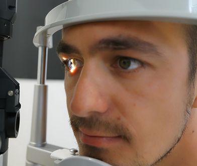 Niepokojące badania. Koronawirus atakuje nasz wzrok?