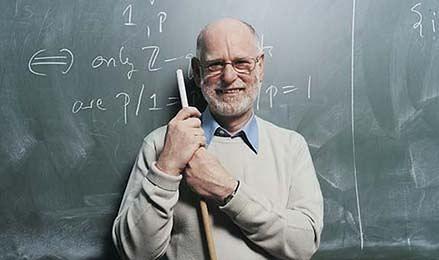 Profesor może zarabiać nawet 25 tys. zł. Dużo to czy mało?