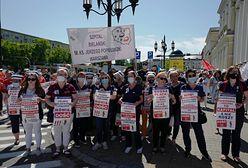 Protest pielęgniarek, położnych i pracowników ochrony zdrowia [zdjęcia]