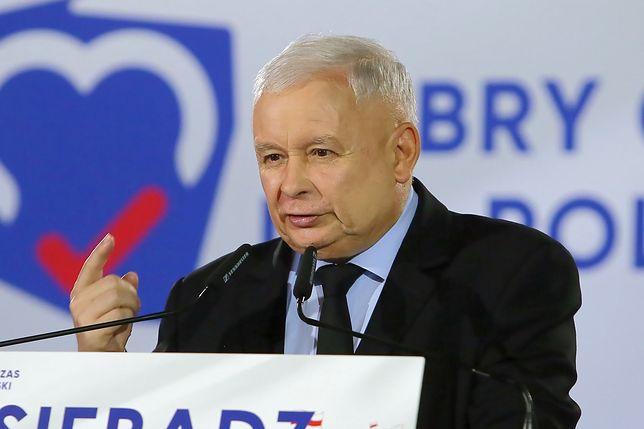 Jarosław Kaczyński przemawia na konwencji PiS przed wyborami parlamentarnymi
