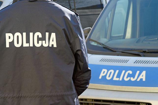 Policjanci wyjaśniają okoliczności śmierci pary