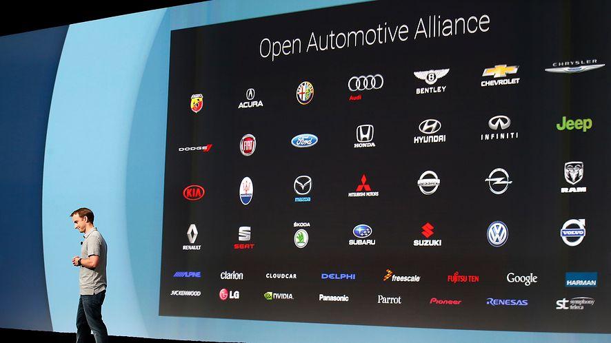 Android 11 teoretycznie pozwala działać Androidowi Auto bezprzewodowo, fot. Getty Images
