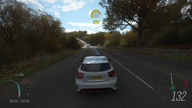 """Za to zoptymalizowana """"Forza Horizon 4"""" wygląda ślicznie i działa równie dobrze, ale w chwili pisania tego artykułu takie gry policzysz na palcach jednej ręki"""
