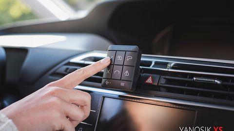 Yanosik XS – nowy komunikator bez ekranu. Aplikacja na smartfony nie jest zagrożona