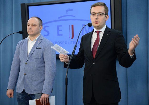 Poseł Kukiz''15 Robert Winnicki i skazany Marcin Falkowski